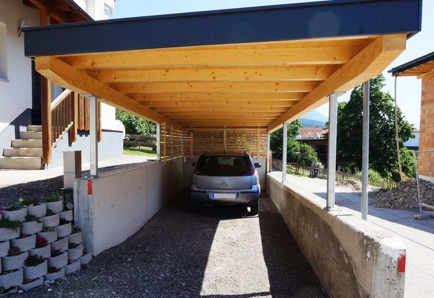 carport-9-2019-mit-integrierter-begehbarer-terrasse-holzbau-zimmerei-norz-thaur-1.jpg
