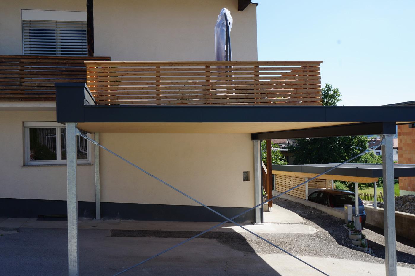 carport-9-2019-mit-integrierter-begehbarer-terrasse-holzbau-zimmerei-norz-thaur-3.jpg