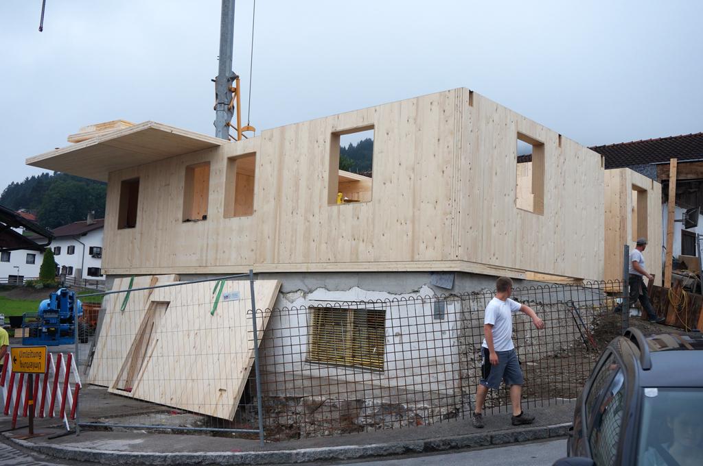Haus-Holzbau-Norz-Thaur-2-aufbau-2016.jpg