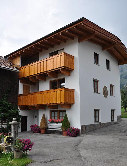 Haus-Dach-sanierung-Balkon-Zimmerei-Norz-2013-2.jpg