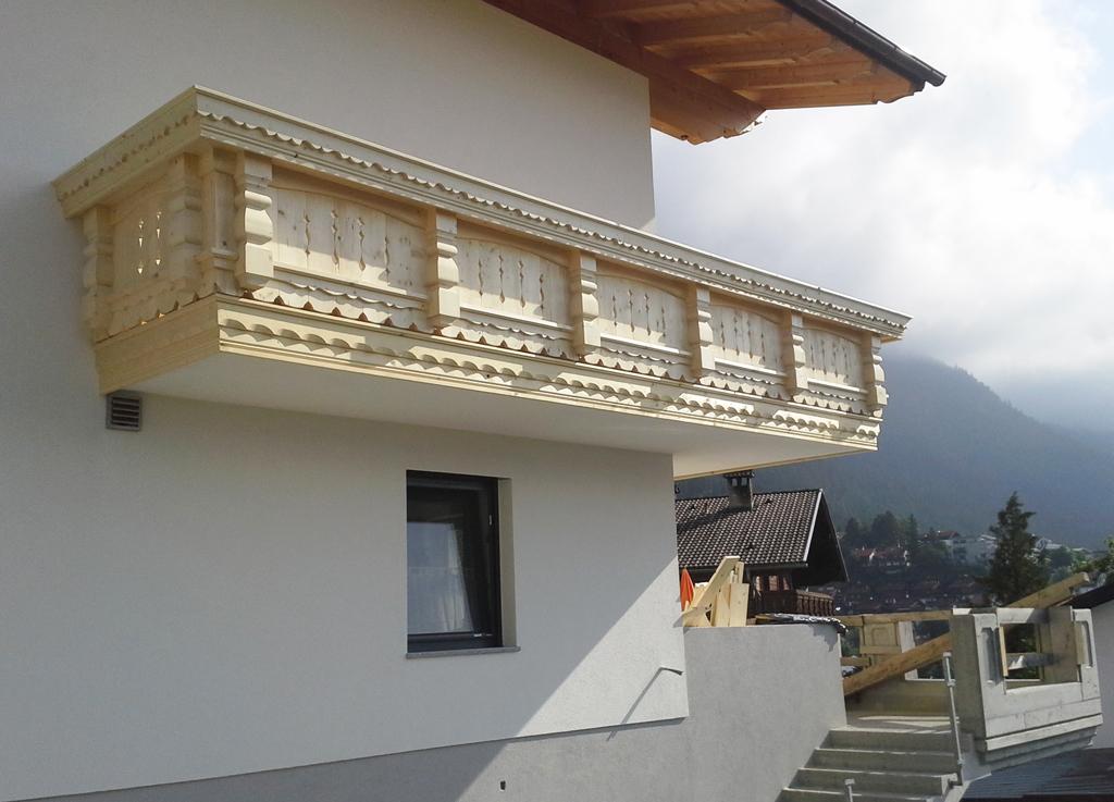 Balkon-klassisch-1-Zimmerei-Norz-2016.jpg