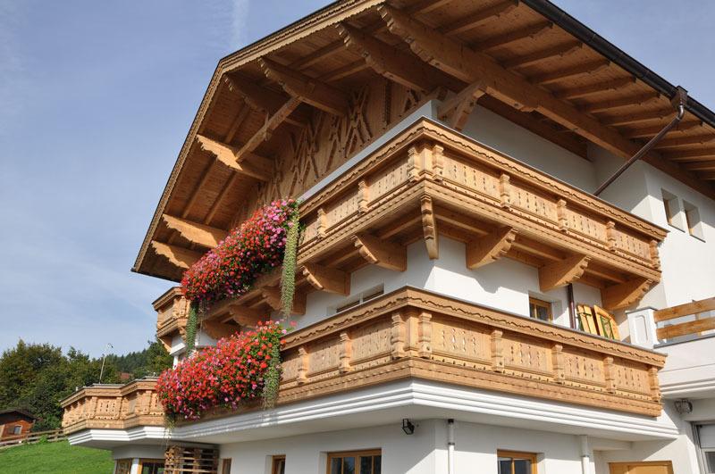 Balkon_Holz_Dachstuhl_traditionell_0071.jpg