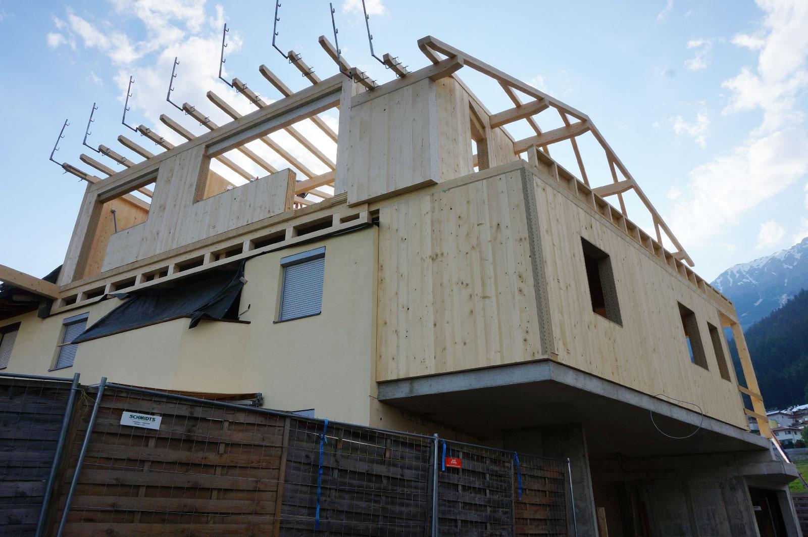 14-Zu-und-Umbau-Einfamilienhaus-mit-Vollholzwaenden-Holzbau-Zimmerei-Norz-20194.jpg