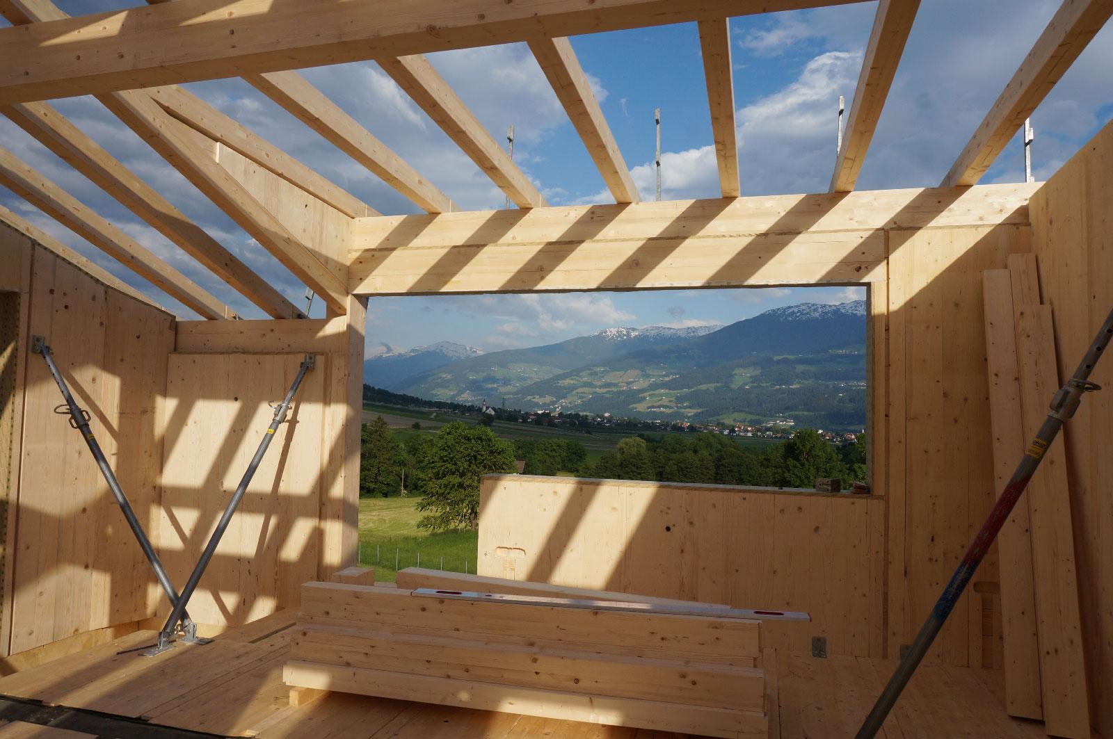 17-Zu-und-Umbau-Einfamilienhaus-mit-Vollholzwaenden-Holzbau-Zimmerei-Norz-2019.jpg