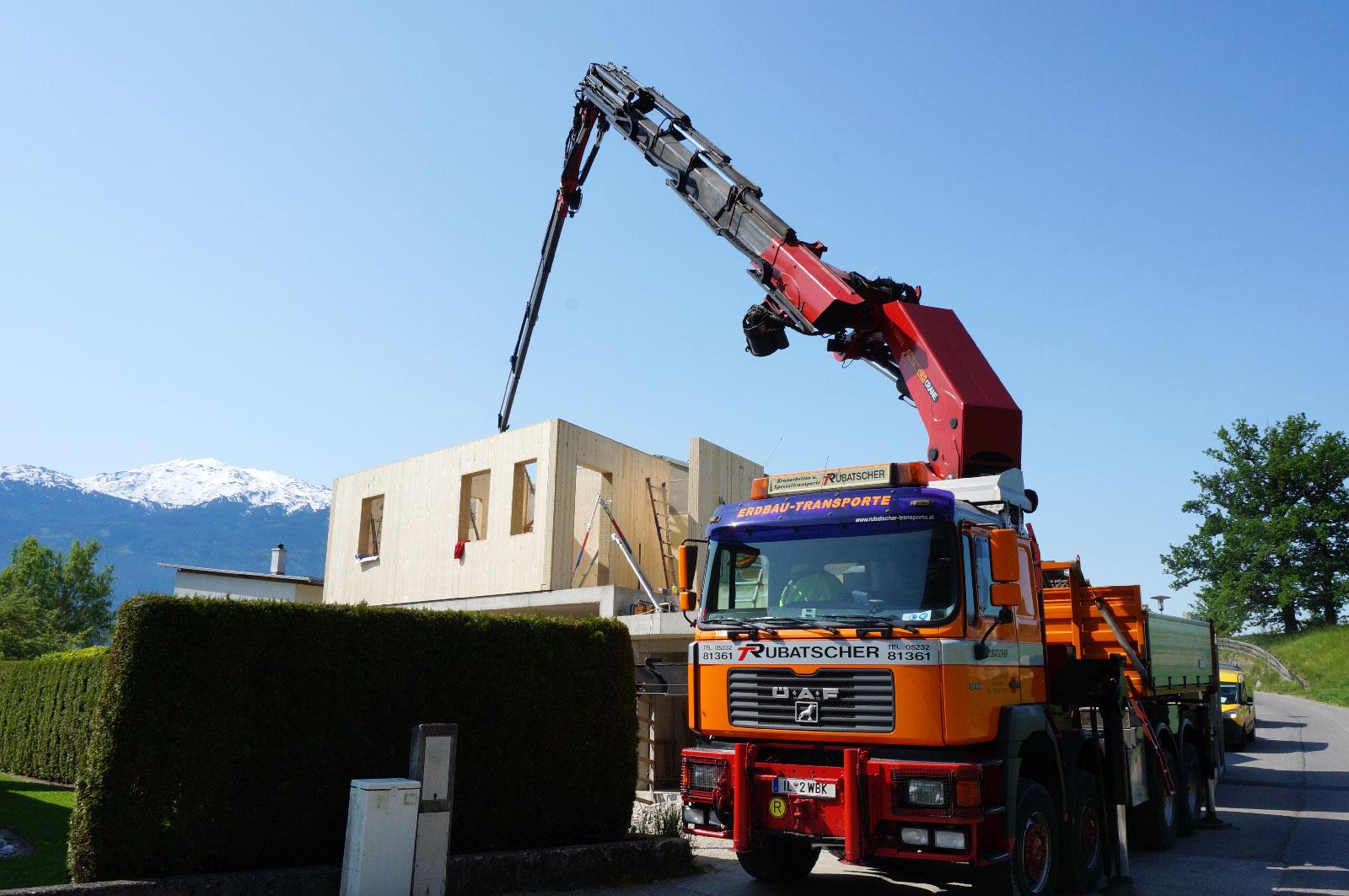 9-Zu-und-Umbau-Einfamilienhaus-mit-Vollholzwaenden-Holzbau-Zimmerei-Norz-2019.jpg