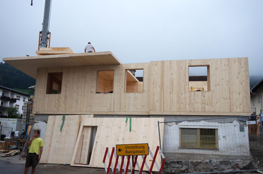 Haus-Holzbau-Norz-Thaur-aufbau-2016.jpg